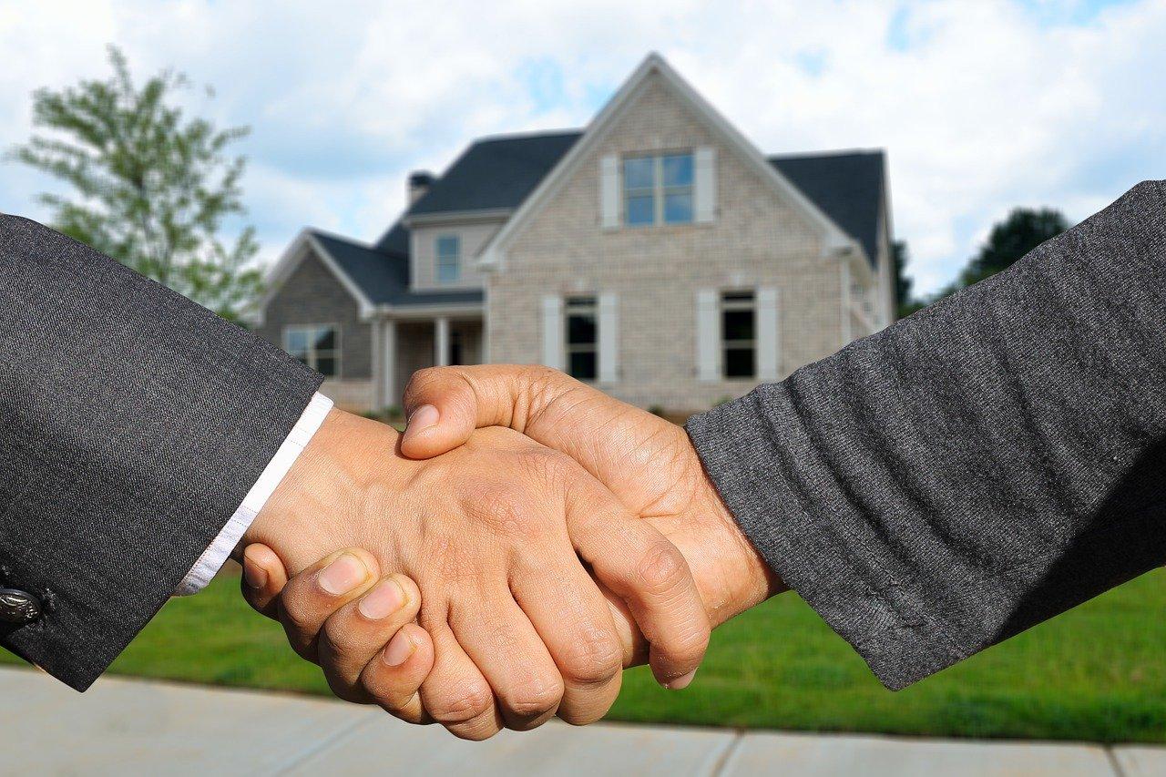 Se reconvertir dans l'immobilier: quelques conseils